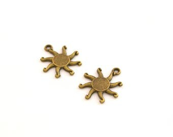 2 charms bronze metal 16x19mm Suns