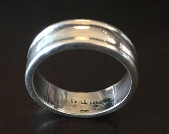 Sterling Silver 925 Gentleman's Band Ring - Size 8.5