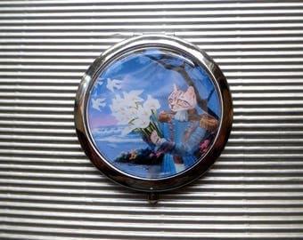 Cat Pocket mirror: bouquet of doves