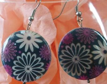 "Earrings ""Pearl flower"" Purple costume jewelery and black"