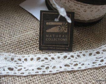 Vintage ecru cotton, 1.5 cm wide lace