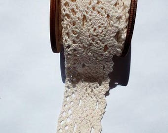 1 m of Ribbon/trim polyester lace cream-beige width 35 mm