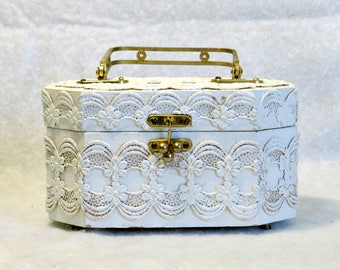 Unique White Lace Box Purse Shabby Chic Lace Covered Wood Box Brass Handle Metal Hardware Retro Mushroom Cloth Interior Vintage Purse Box