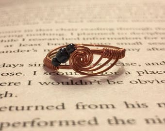 HANDMADE Copper Wire Wrap Ring, Minimalist Jewellery, Wire Wrapped Ring, Rose Gold, Swirl Ring with beads