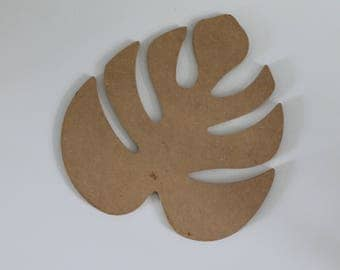 Philodendron leaf in wood, to decorate or paint