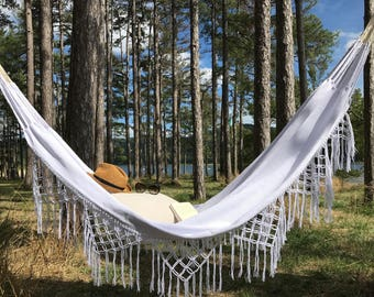 Hammock with fringe, very trendy for a chic and Bohemian, inside and outside, 2, white
