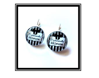 "Original earrings & single ""Miss Raleuse"" black and white, humor, derision"