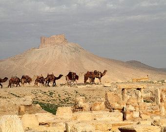 ORIGINAL design, durable and WASHABLE PLACEMAT - Caravan and ancient ruins.
