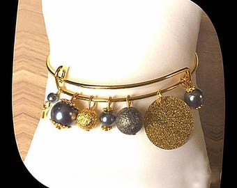 Bangle Bracelet with glass beads and stardust beads.