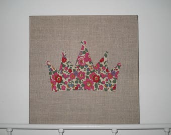 setting Crown linen and liberty, room decoration