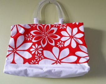 BAG HAS HAND BAG RED AND WHITE