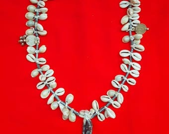 Antique Vinatge Cowrie shell necklace Indian Inspired layering necklace Bohemian statement necklace summer necklace designed Indian Pendant