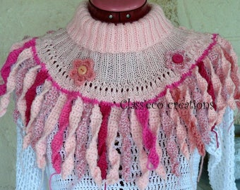 embellished collar / cache shoulder knitted and crocheted