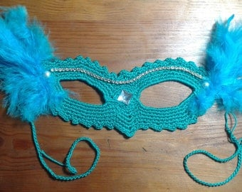 Mask with feathers and rhinestones