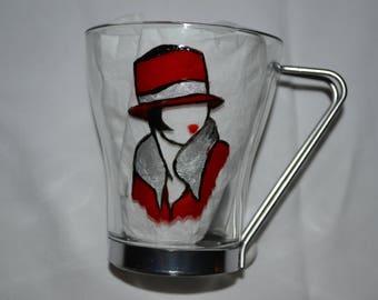 """Tasse à thé, à café, tisane en verre peint """"femme rétro chapeau masculin rouge"""", peinture sur verre opaleisis, sur Etsy"""