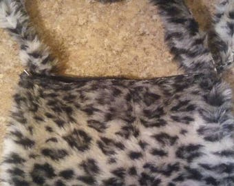 Leopard Faux fur crossbody pouch