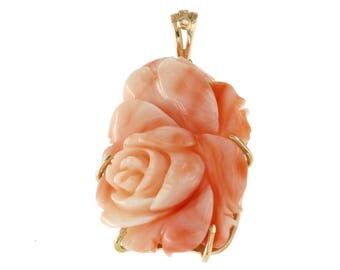 18 kt yellow gold pendant. and natural pink coral cameo Engraved floral Flowers Pendant, handmade Pendant with coral