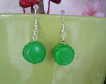 Macaroon Peppermint with its chocolate ganache in polymer clay earrings