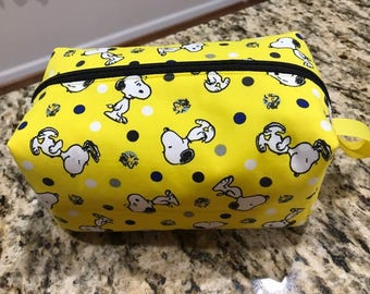 Yellow Snoopy Print Zippered Pouch Bag