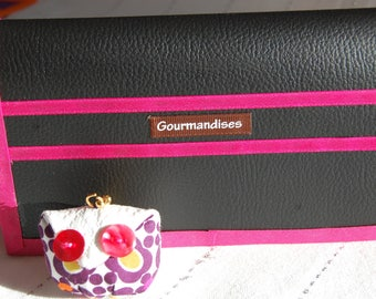 IDEA KDO - protects leather checkbook with an OWL keychain!