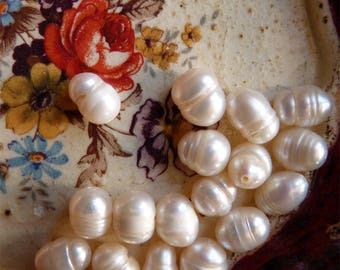15 beautiful baroque cultured pearls