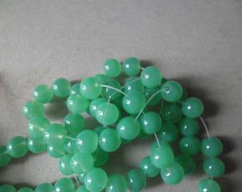 x 10 beads green round glass 8 mm