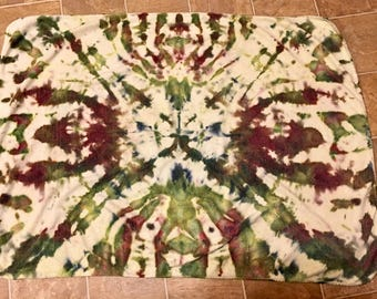 Small Ice Dyed Blanket