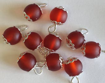 5 pendants 8mm Red frosted beads