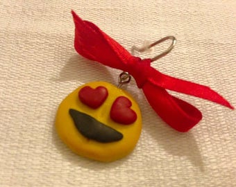 Emoticon earrings in Love in #fimo handmade.