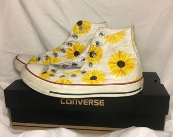 Hand-Painted Sunflower Shoes / Hand-Painted Daisy Shoes / Custom Painted Canvas Shoes / Hand-painted Vans / Hand-Painted Converse