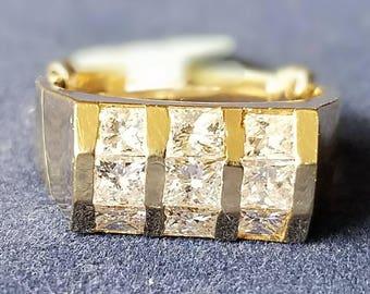 Interesting 14K yellow gold and Princess cut diamond ring!