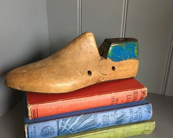 Vintage Shoe Form ~ Shoe Tree ~ Wooden Shoe Form ~ 1960's