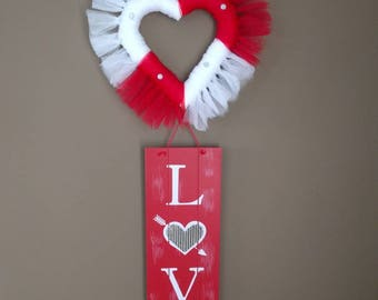 Valentine's Day swag, wall or door hanging