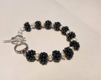 Blackberries bracelet and earrings are made of glass beads, fresh water pearls.