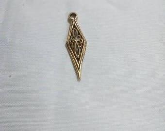 Vintage diamond shaped pendant