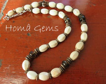 Ethnic necklace, natural white Turquoise and smoky Quartz.
