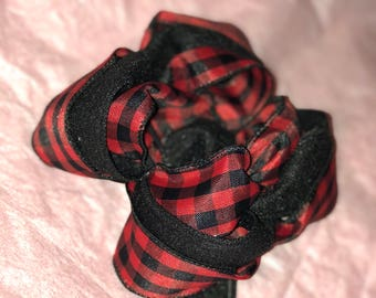 "4"" Triple Stack Buffalo Plaid Boutique Bow - red and black"