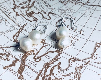 Organic pearls drops silver earrings
