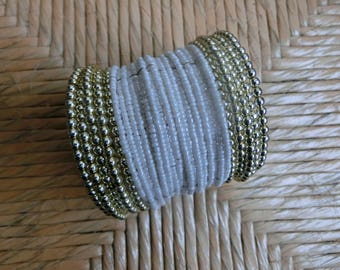 Bracelet made of white beads and golden beads on wire, браслет из белого бисера, bijouterie, 10/5000 aksessuary accessories