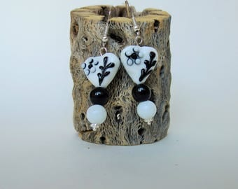 Black and white glass earrngs