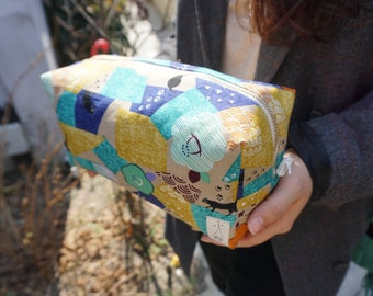 Camellia & cat travel pouch / Handmade by needlegirlworks