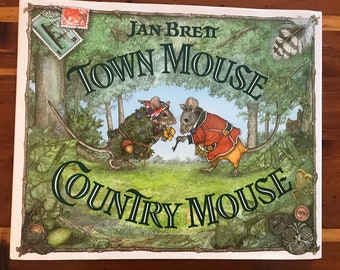 Jan Brett, Town Mouse Country Mouse hardcover children's book