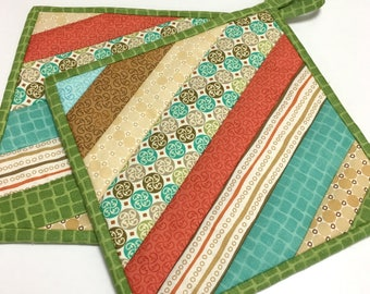 Pot Holders Hot Pads Strip Pieced Quilted Kitchen Cooking