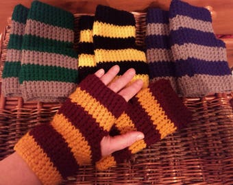 Harry Potter House Fingerless Gloves - Gryffindor, Ravenclaw, Slytherin, Hufflepuff