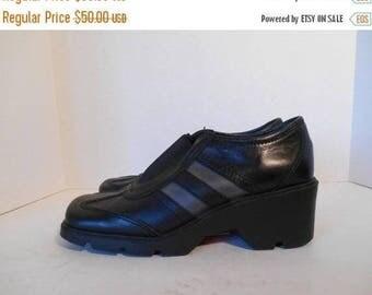 Closing Shop 40%off SALE 90s black leather womens shoes   Size 8
