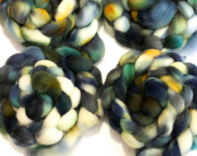Hand dyed Cheviot wool top. Soft and easy to work with. Great for handspun yarn and to felt. 4oz. Bill