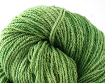 Mohonk Hand Dyed sport weight NYS Wool 370 yds/ 338 m 4oz/ 113g Spring Grass