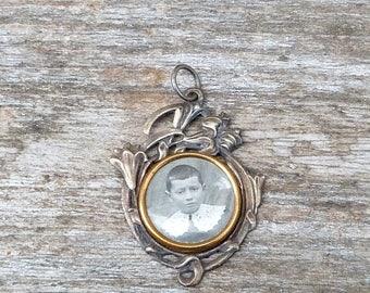 ON SALE Vintage Antique 1890/1900  French Victorian silver photo locket pendant Art nouveau