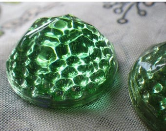 SALE 30% Off The Great Reflectors in Green Vintage Glass 22mm Round 2 Pcs