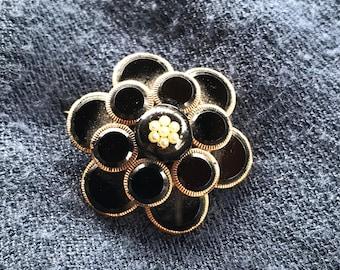 Black onyx floral broach